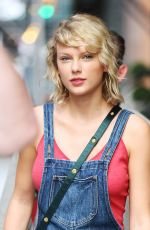 TAYLOR SWIFT Out and About in New York 08/08/2016