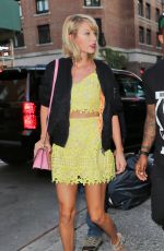 TAYLOR SWIFT Out for Dinner in New York 08/24/2016