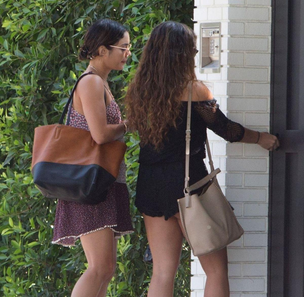 nude Legs Vanessa, Stella Hudgens Ashley Tisdale (56 images) Selfie, YouTube, swimsuit