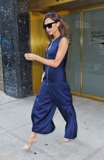 VICTORIA BECKHAM Leaves an Office in New York 08/05/2016