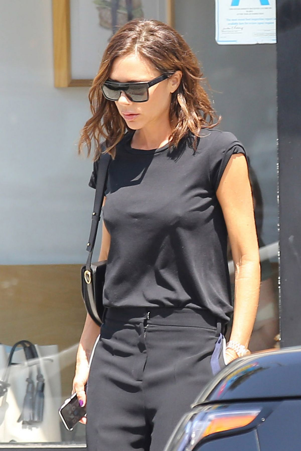 VICTORIA BECKHAM Out and About in Los Angeles 08/21/2016