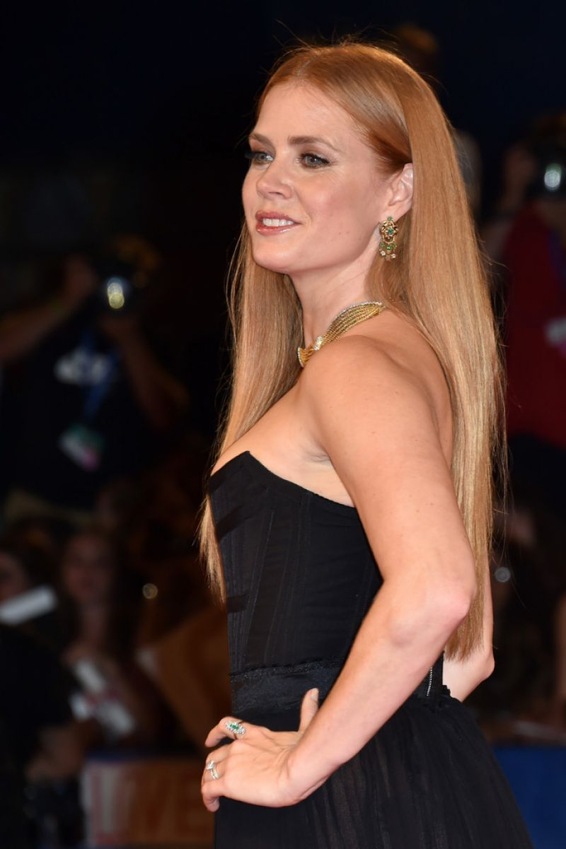 AMY ADAMS at 'Arriva...