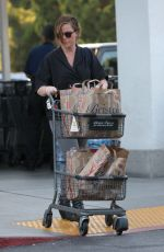 AMY POEHLER Shopping at Bristol Farms in Beverly Hills 08/29/2016