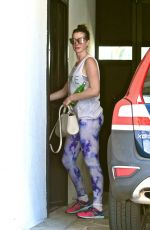 ANNE HATHAWAY Arrives at a Gym in West Hollywood 09/06/2016
