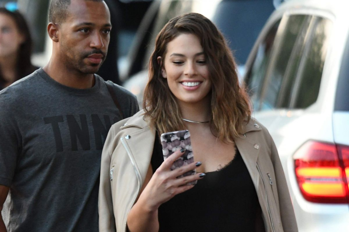 ASHLEY GRAHAM Arrives at 2016 US Open in New York 09/04/2016