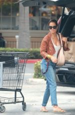 BROOKE BURKE Shopping Groceries in Malibu 09/07/2016