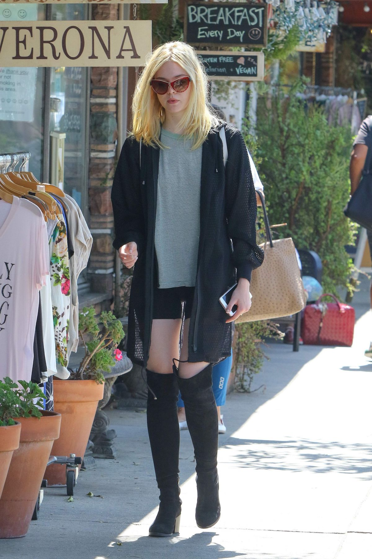 At Aroma fanning at aroma cafe in studio city 09 08 2016 hawtcelebs