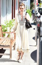 ELLEN POMPEO Shopping at the Brentwood Country Mart in Los Angeles 09/24/2016