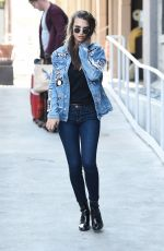 EMILY RATAJKOWSKI Arrives at LAX Airport in Los Angeles 09/21/2016