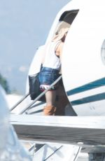 GWEN STEFANI Boarding at Private Plane in Los Angeles 09/04/2016