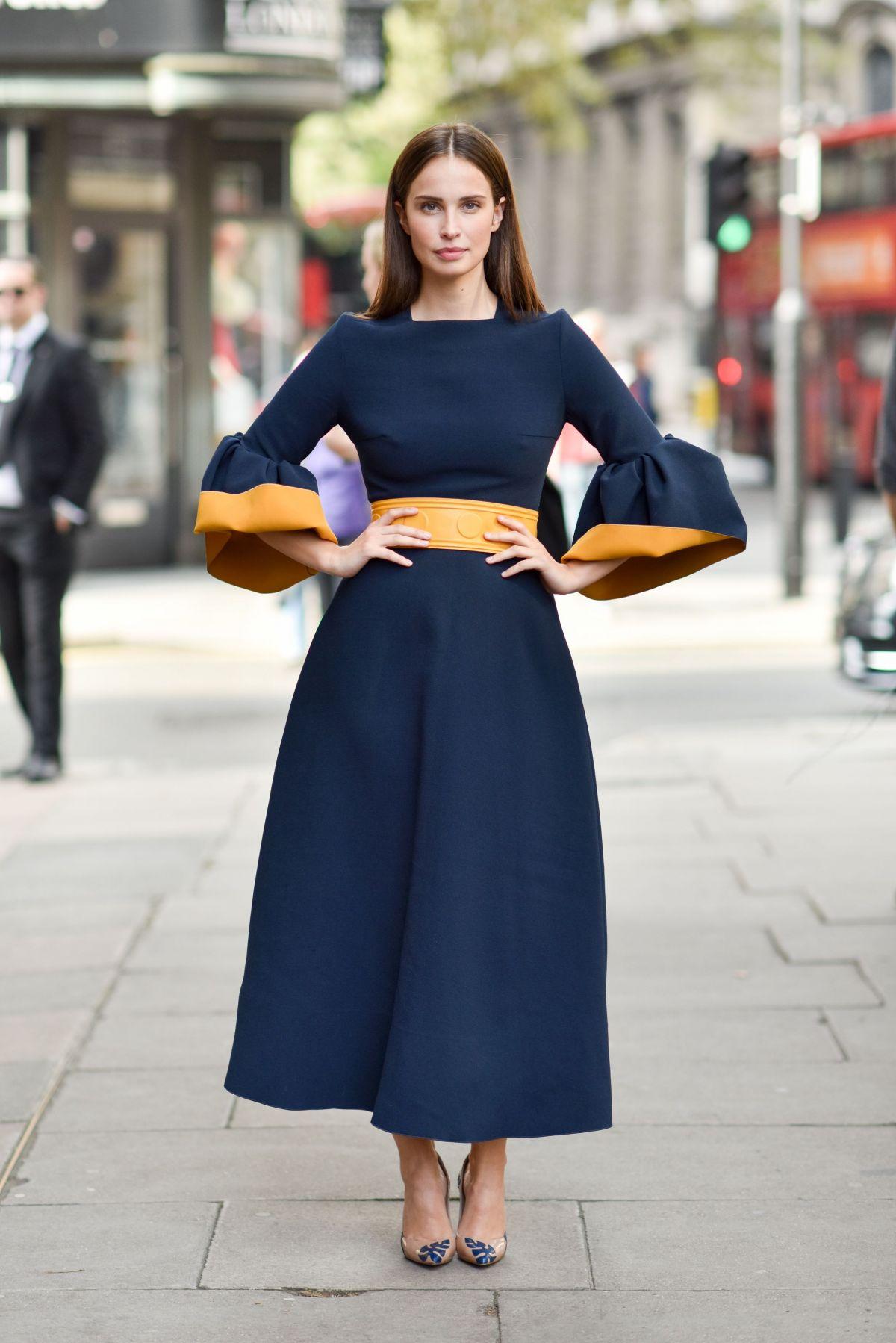 HEIDA REED Arrives at Roksanda fashion Show at London Fashion Week 09/19/2016