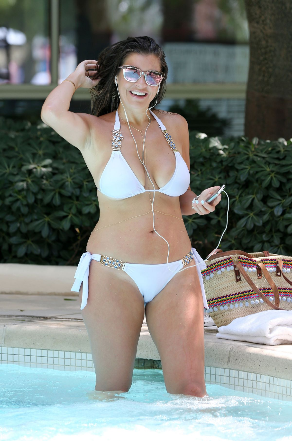imogen thomas in bikini in a hot tub at her hotel in las vegas 09/29