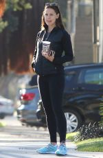 JENNIFER GARNER Out and About in Brentwood 09/15/2016