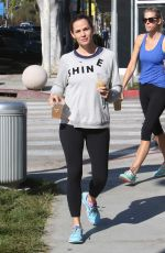 JENNIFER GARNER Out and About in Los Angeles 09/17/2016