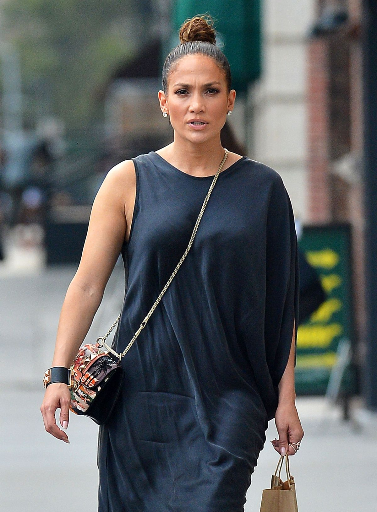 JENNIFER LOPEZ Lunch at Locanda Verde in Tribeca 09/10 ... Jennifer Lopez