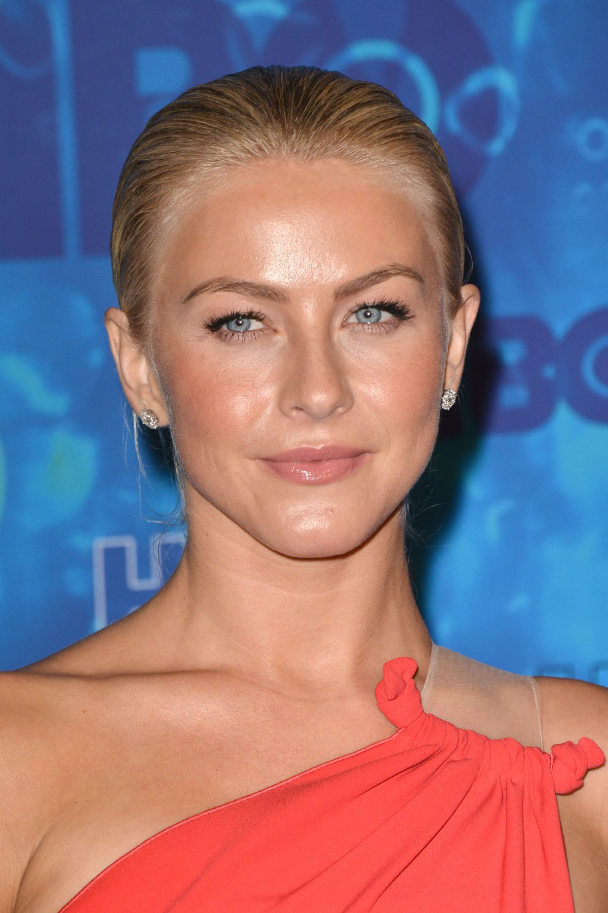 JULIANNE HOUGH at HBO's 2016 Emmy's After Party in Los Angeles 09/18/2016