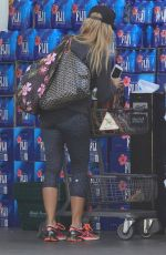 JULIE BENZ Shopping at Bristol Farms in Beverly Hills 09/08/2016