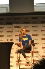 KATIE CASSIDY at Fan Expo Canada 0903/2016