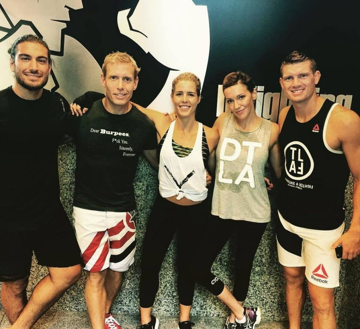 Katie cassidy at ufc training with cast of arrow in vancouver 09 01