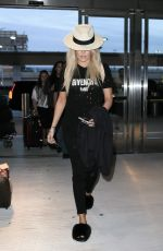 KHLOE KARDASHIAN at JFK Airport in New York 09/21/2016