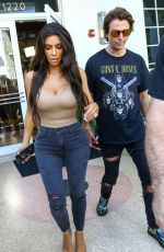 KIM and KOURTNEY KARDASHIAN Out and About in Miami 09/16/2016