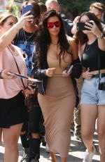 KIM KARDASHIAN Out Shopping in Toronto 08/31/2016