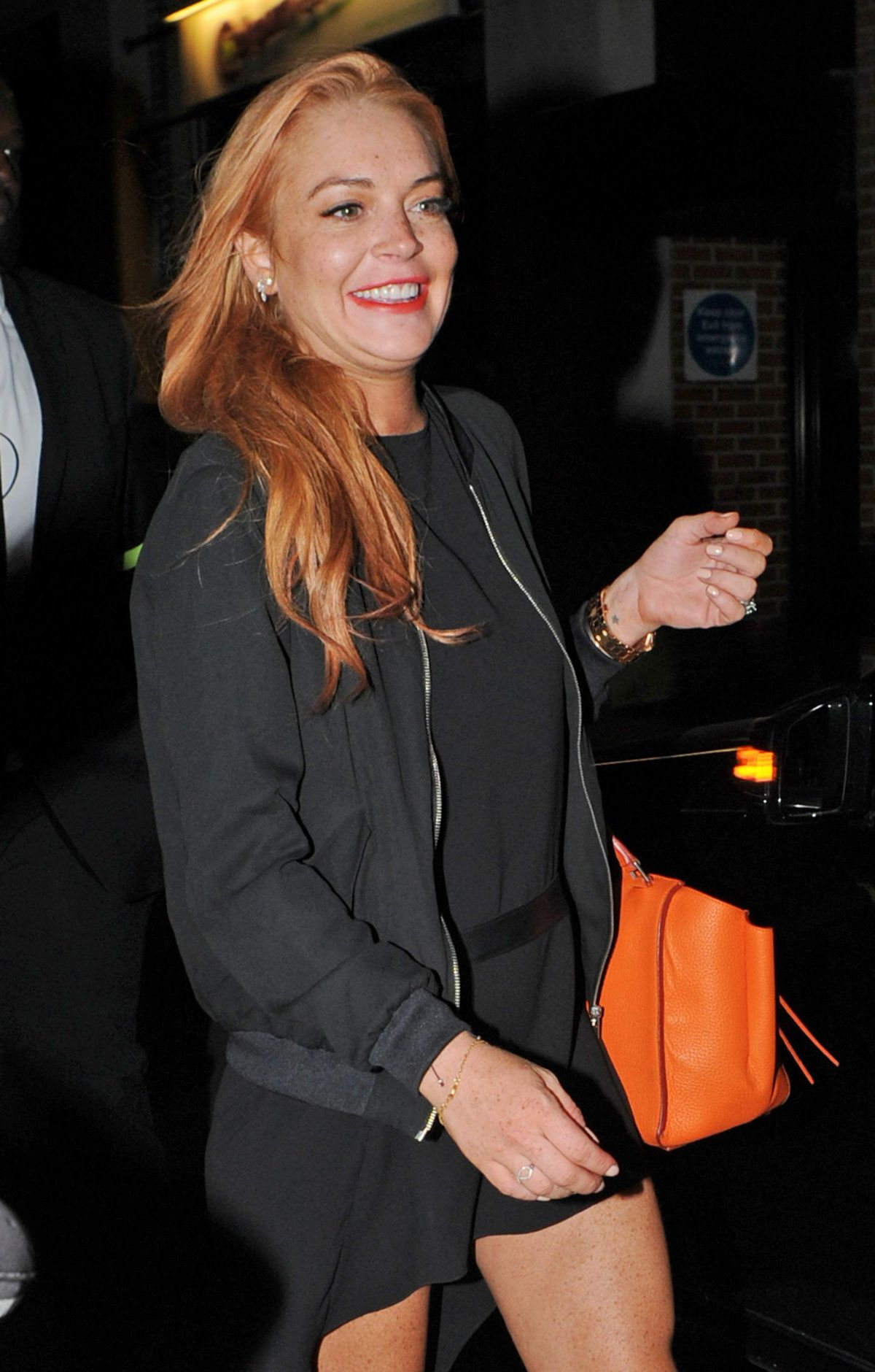 lindsay dating Lindsay lohan is trying to get her life back on track these days hopefully helping her do just that avi snow, a new york city based musician and club promoter.