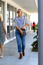 MARIA SHARAPOVA Out and About in Los Angeles  09/22/2016