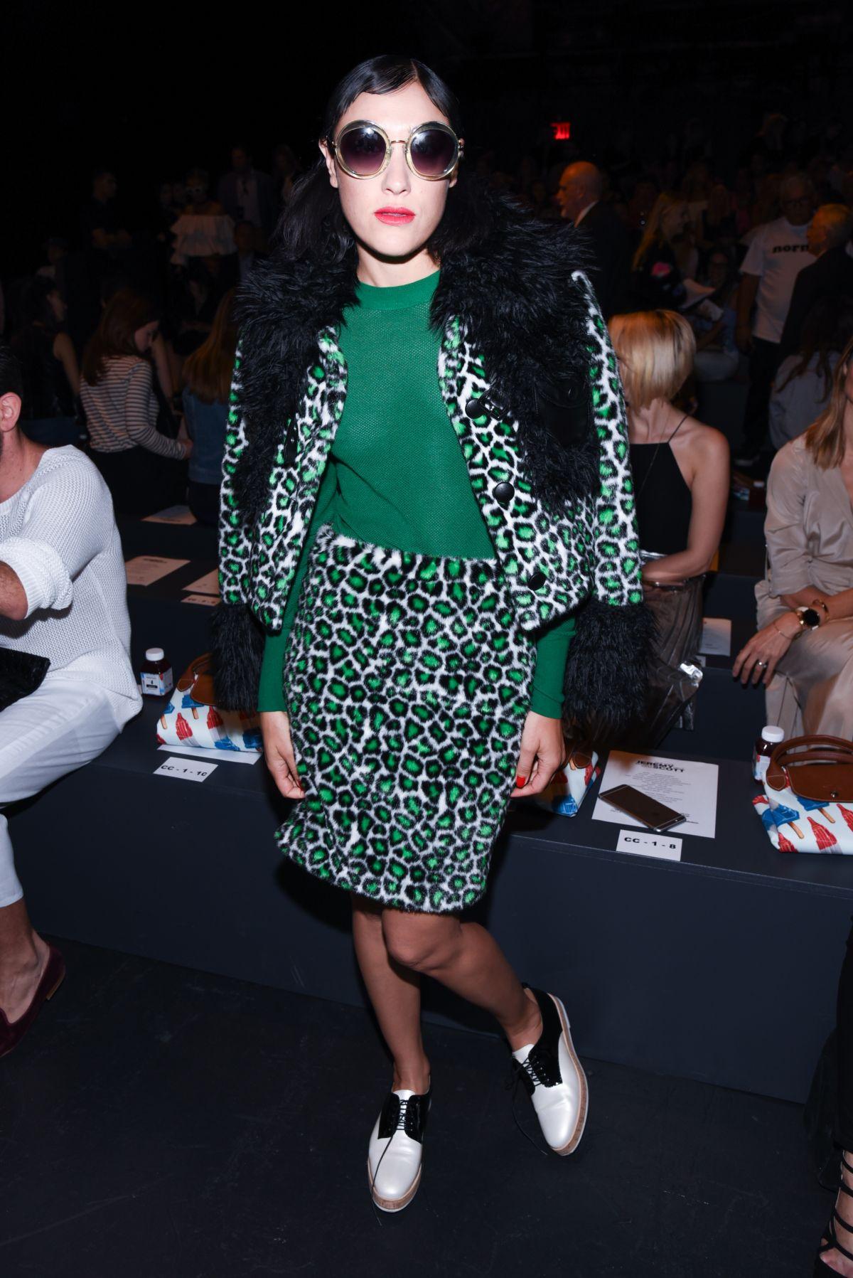 Fashion Mia Online Customer Reviews: MIA MORETTI At Jeremy Scott Fashion Show At New York