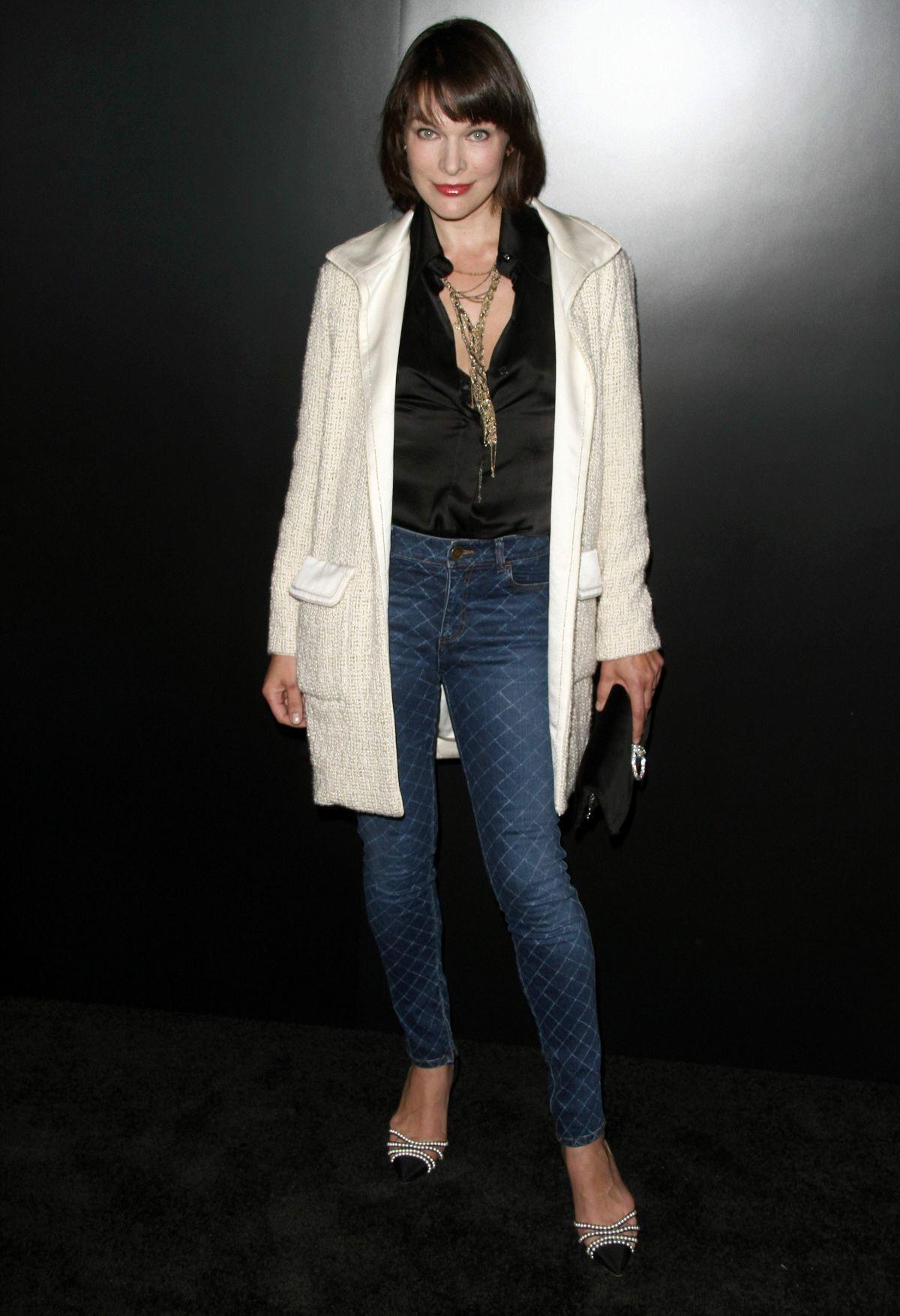 MILLA JOVOVICH at Chanel Celebrates Launch of No.5 L'Eau in Los Angeles 09/22/2016