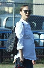 NATALIE PORTMAN Out and About in Los Angeles 09/21/2016