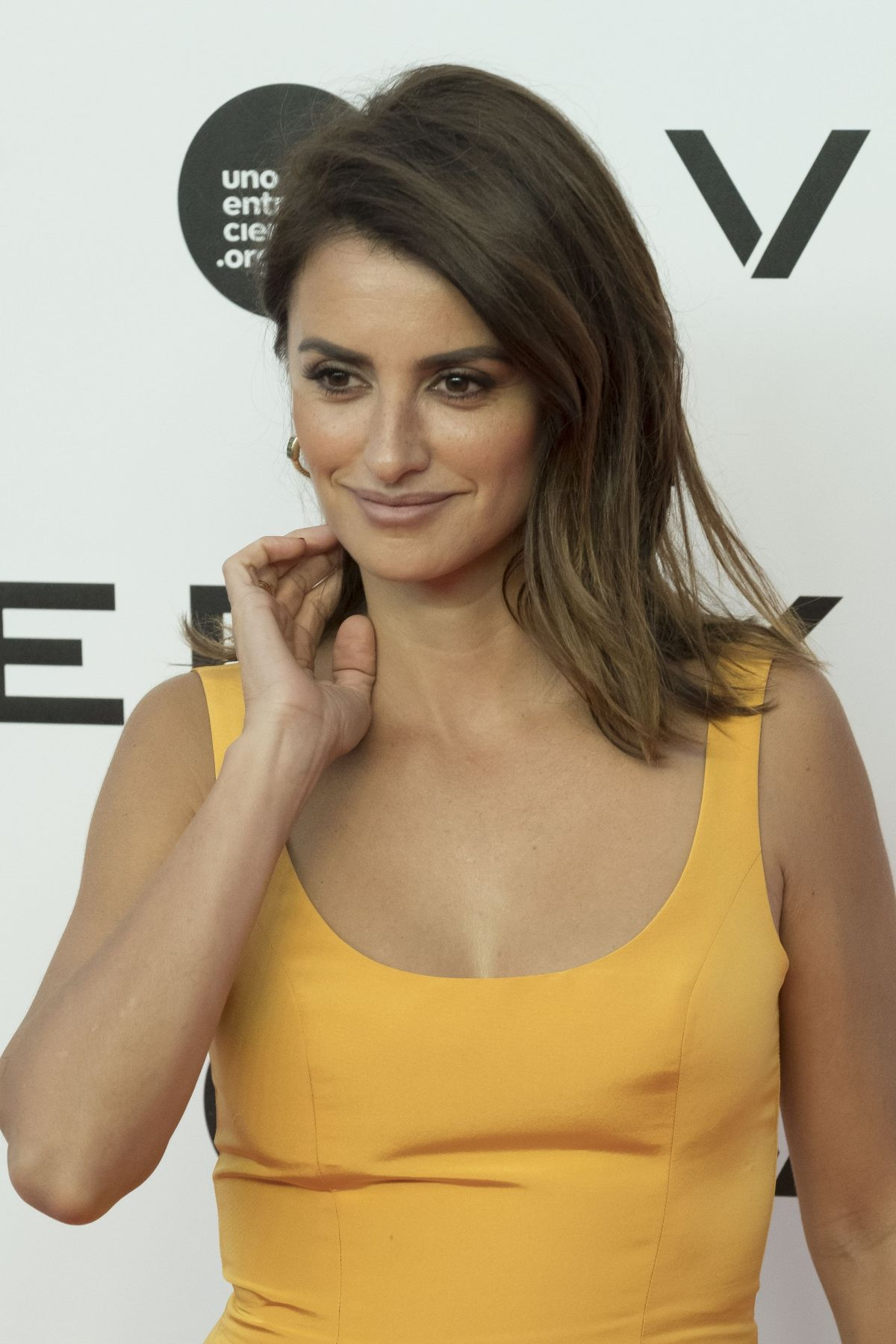PENELOPE CRUZ at 'One Hundred Thousand' Photocall in Madrid 09/18/201... Penelope Cruz