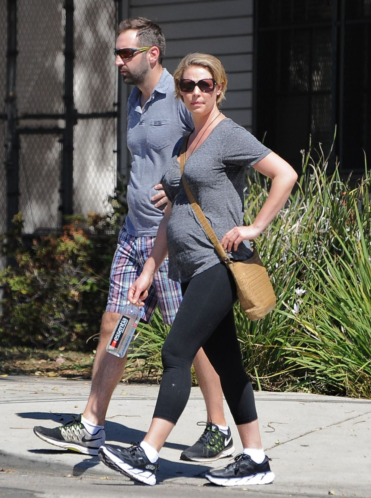 Pregnant KATHERINE HEIGL And Josh Kelley Out In Los ...