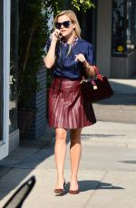 REESE WITHERSPOON Heading to a Skincare Facility in Beverly Hills 09/21/2016