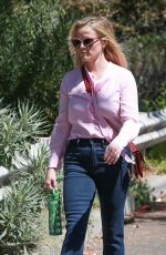 REESE WITHERSPOON Out in Los Angeles 09/15/2016