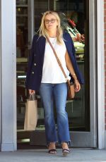 REESE WITHERSPOON Out Shopping in Brentwood 09/10/2016
