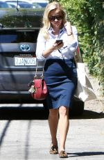 REESE WITHERSPOON Out and About in Los Angeles 09/16/2016