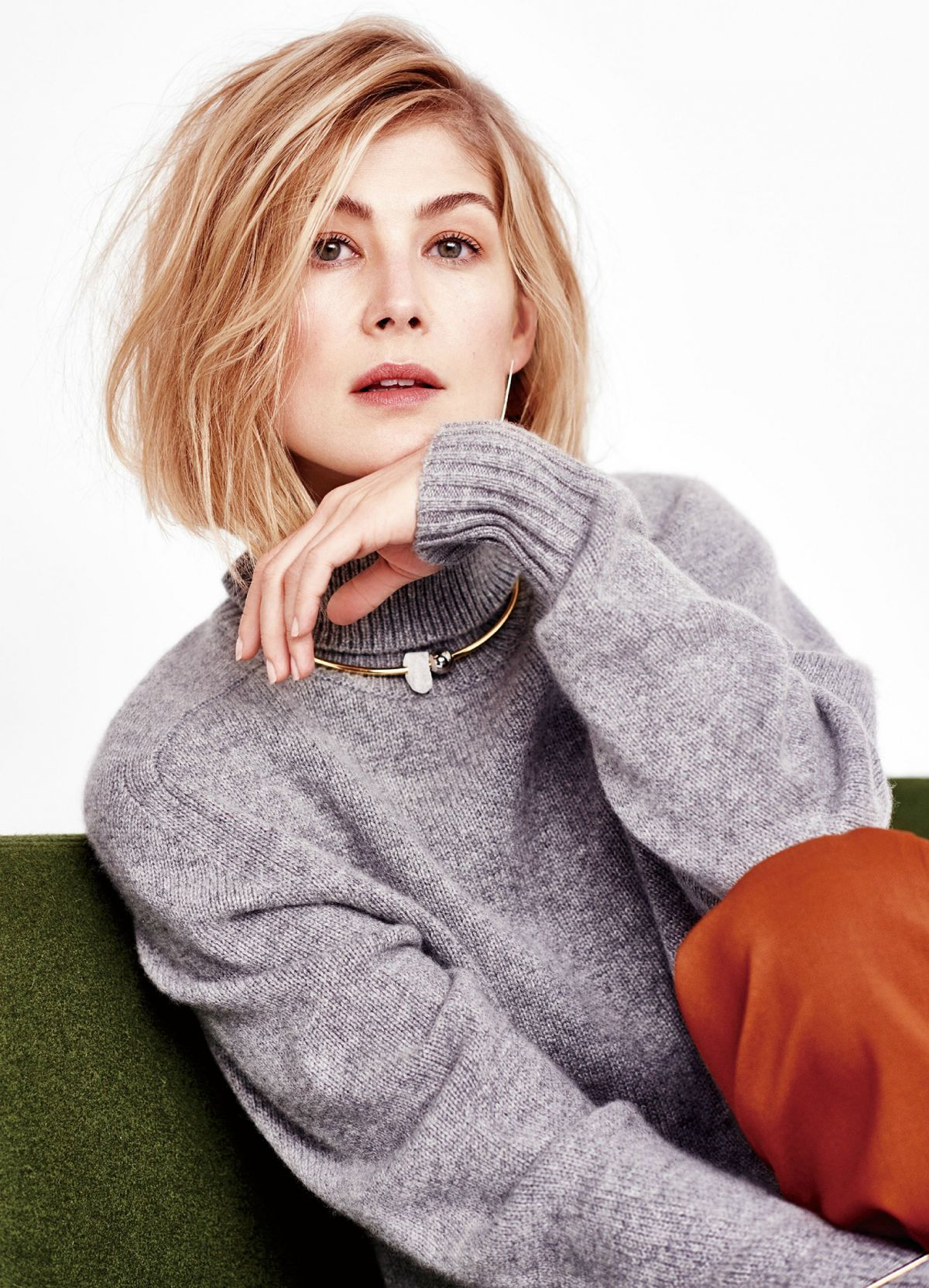 ROSAMUND PIKE for Mode...