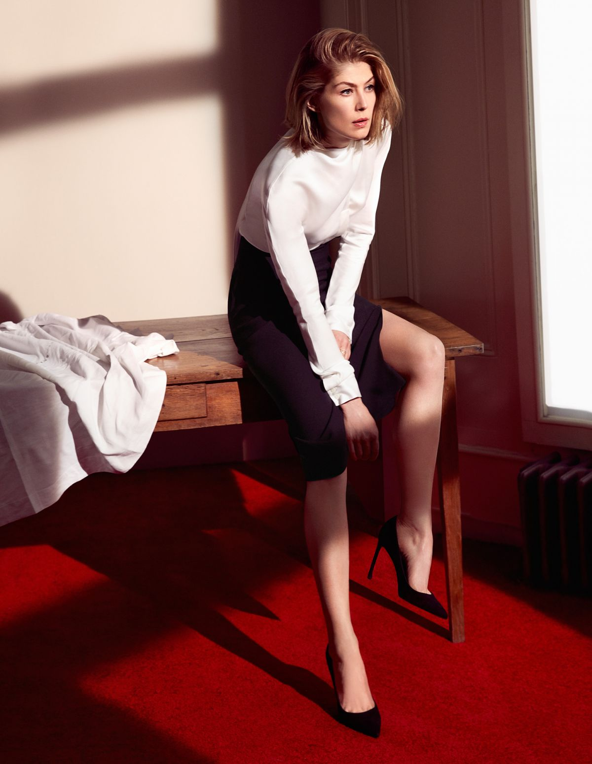 ROSAMUND PIKE in Dior ...