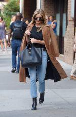 ROSIE HUNTINGTON-WHITELEY Leaves Her Apartment in New York 09/16/2016