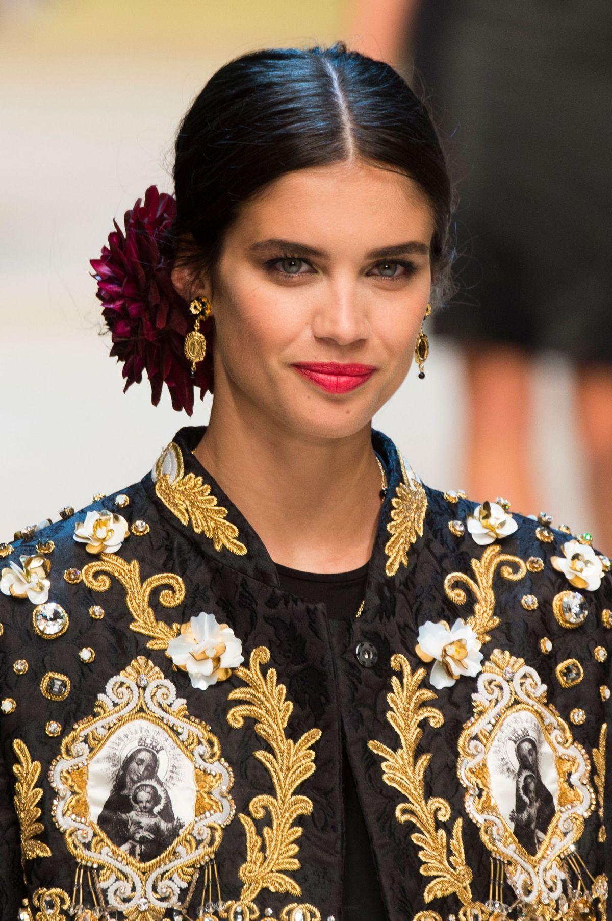 SARA SAMPAIO On The Runway At Dolce U0026 Gabbana Fashion Show