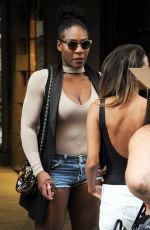 SERENA WILLIAMS Out for Lunch in Milan 09/20/2016