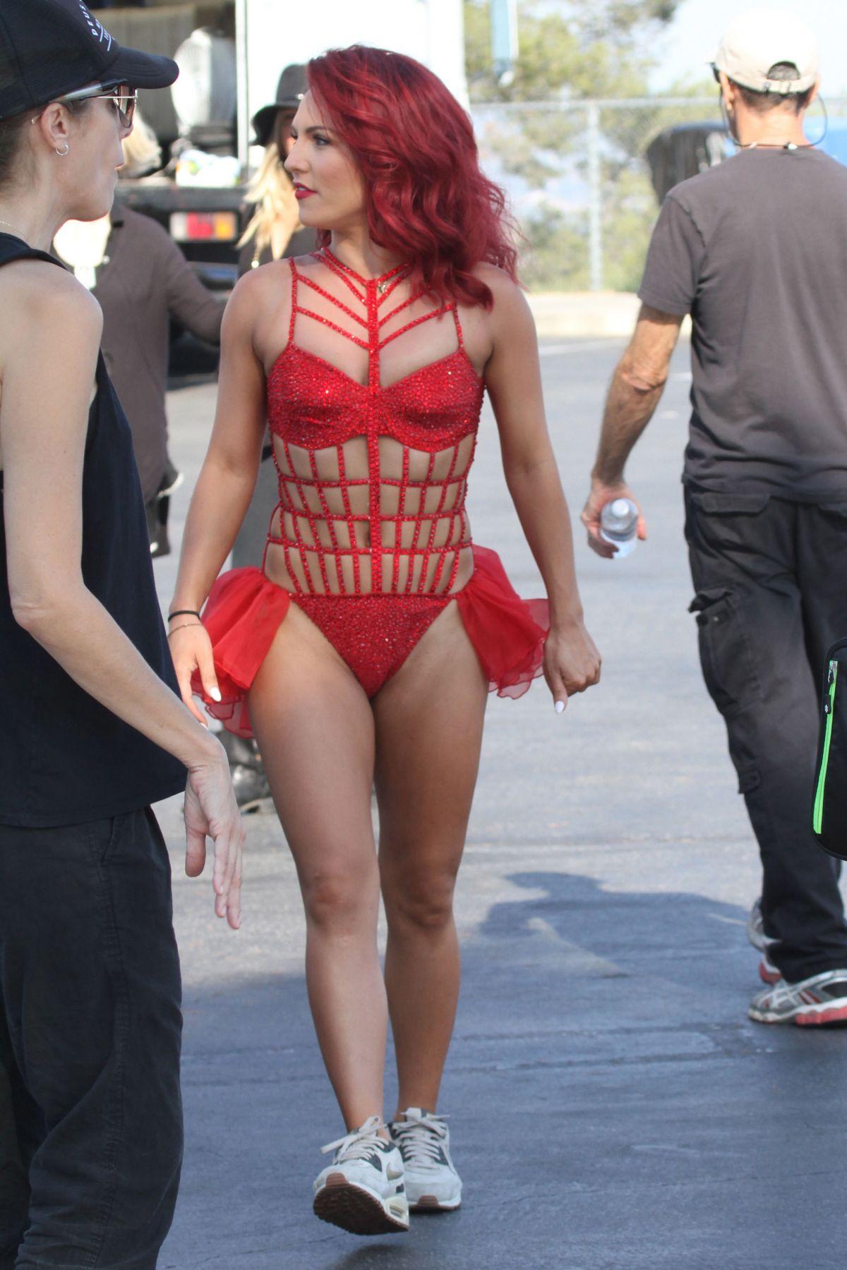SHARNA BURGESS on the Set of DWTS Season 23 Promos in Los ... Alicia Keys New York