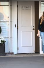 SOFIA VERGARA Leaves Epione Skin Care Clinic in Beverly Hills 08/31/2016