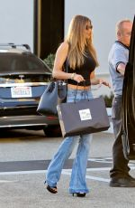 SOFIA VERGARA Shopping at Saks Fifth Avenue in Beverly Hills 09/24/2016