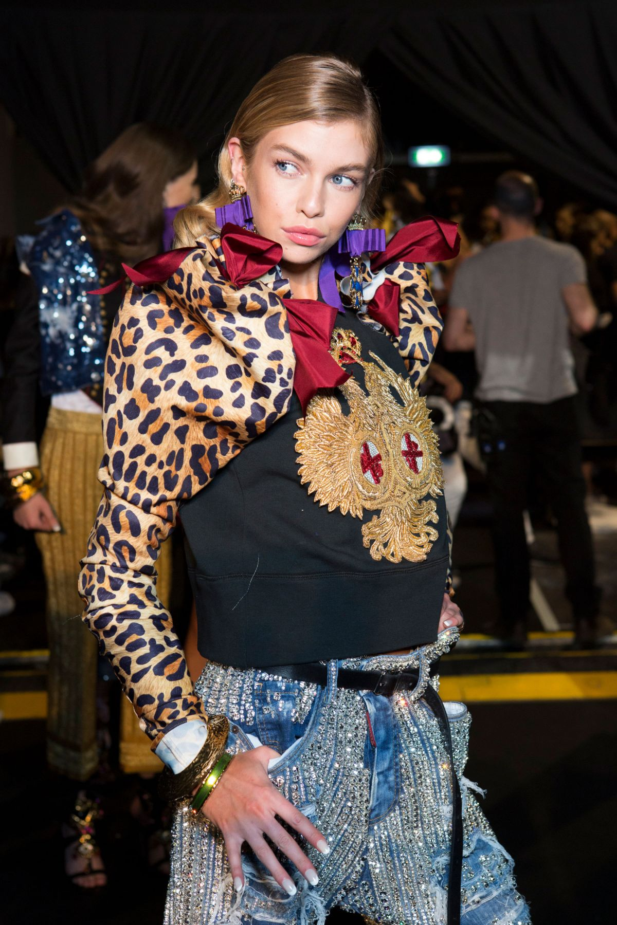 Milan Fashion Week 2017 Street Style 1: STELLA MAXWELL At Dsquared2 Spring/Summer 2017 Fashion
