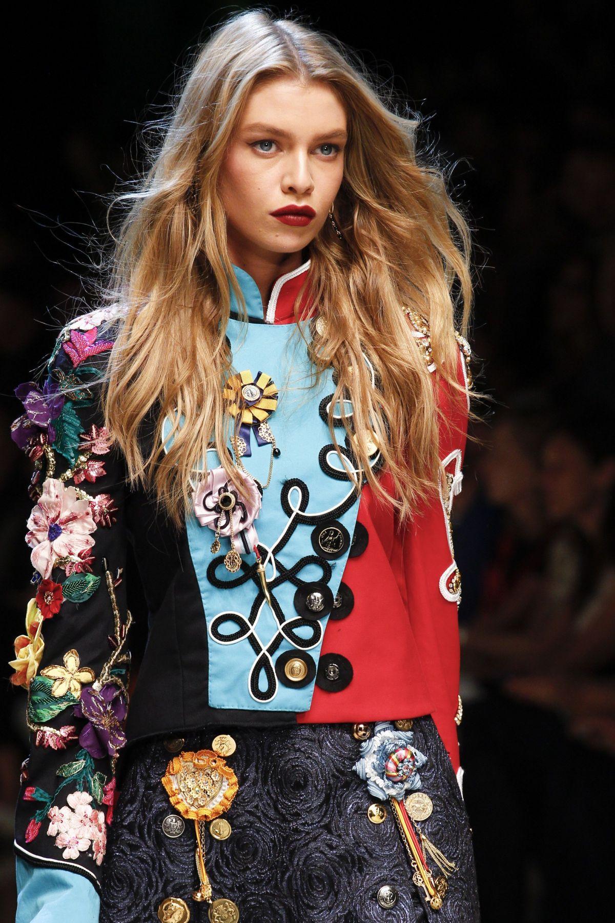 STELLA MAXWELL on the Runway at Dolce & Gabbana Spring ...