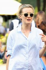 TAYLOR SCHILLING Out Shopping in New York 09/12/2016