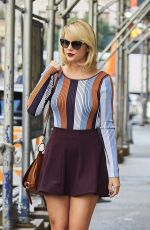 TAYLOR SWIFT in Mini Skirt Leaves Her Apartment in New York 09/16/2016