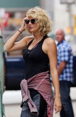 TAYLOR SWIFT Leaves a Gym in New York 09/06/2016